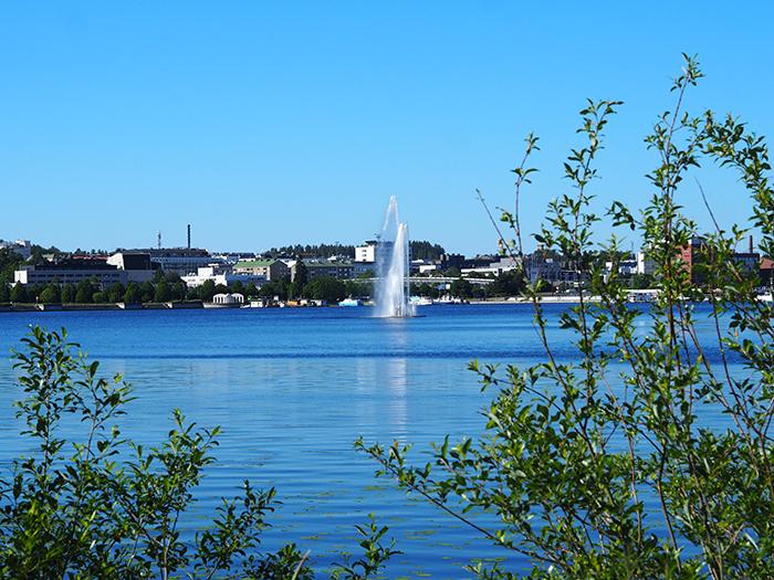 Näkymä Rantaraitilta Jyväsjärvelle