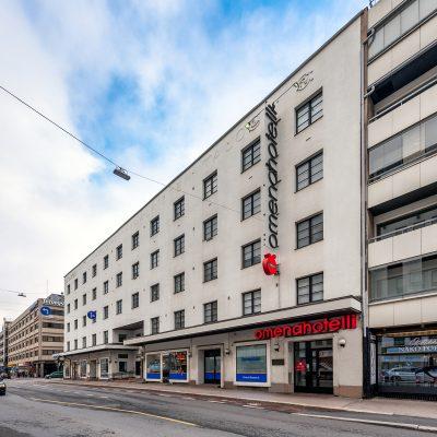 Turun Humalistonkadun Omena-hotellin julkisivu